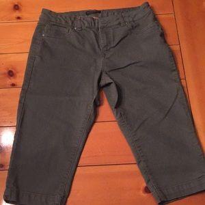 Khaki capri shorts